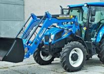 Traktor s čelním nakladačem pro výuku mechanizace