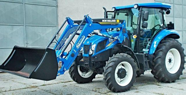 traktor s čelním nakladačem